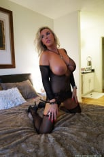 Sandra Otterson - All About Wifey (Thumb 90)
