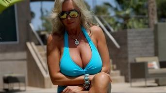 Sandra Otterson in 'Bikini Cumswallow'
