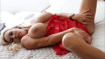 Sandra Otterson in 'Red Delight'
